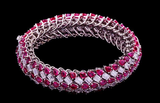 Twist of Jewels Bangle