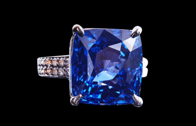Enchanting Sapphire Ring