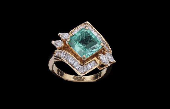 Emerald Ring with Diamonds