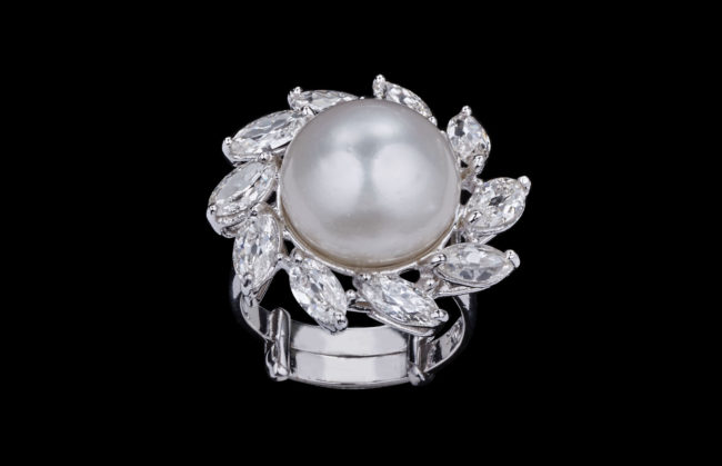 Glamour of the Sea Ring